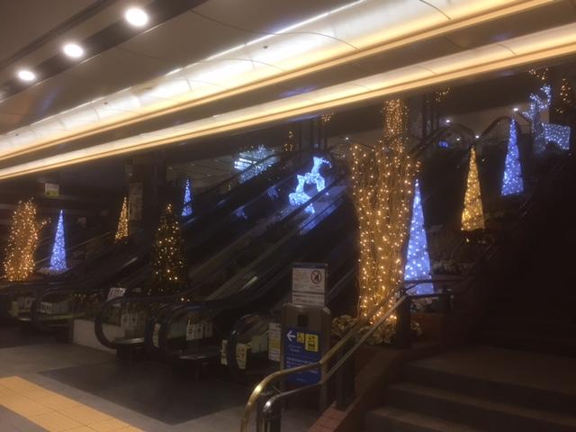 横浜ポルタエスカレーターX'mas装飾